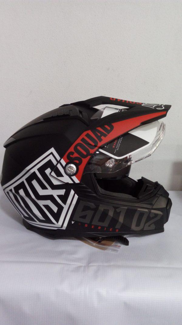 casco cerrado tipo cross marca voss modelo 601 D2