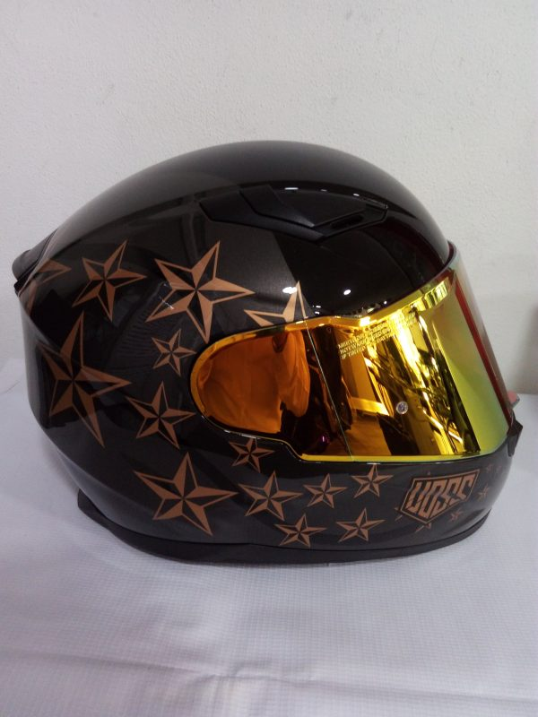 casco marca voss modelo star negro estrellas